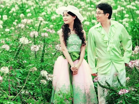 汕头婚纱摄影推荐2012年流行婚纱摄影风格结婚拍婚纱照是很正常的