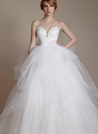 婚纱头像女生背影捧花手绘
