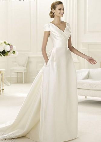 婚纱穿戴怎样彰显漂亮的身躯与身姿