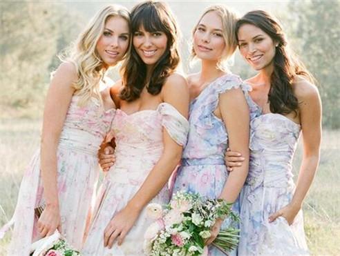 花朵系时尚伴娘团礼服 姐妹们的最爱