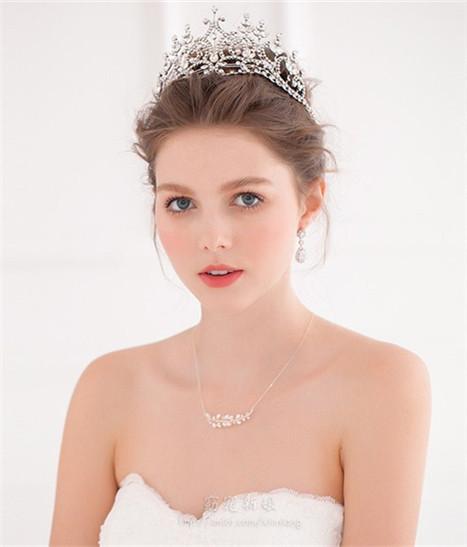 新娘皇冠头纱造型 让你瞬间成为女神