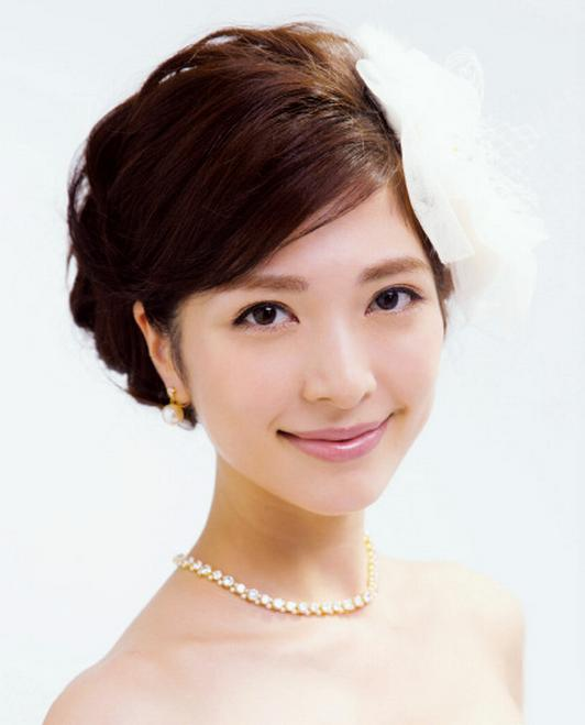 最新韩式新娘盘发发型 简单唯美韩式新娘盘发