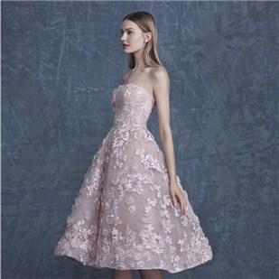 春夏甜美新娘伴娘礼服 时尚更闪耀澄海婚纱照,澄海婚礼策划,汕头婚纱照,汕头婚礼策划